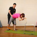仙骨・腰椎の歪みを治せば股関節痛は治る